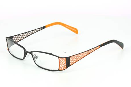 les lunettes en titane sont la mode. Black Bedroom Furniture Sets. Home Design Ideas