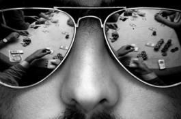 soleil Les lunettes de poker le dans a8E8xwzq